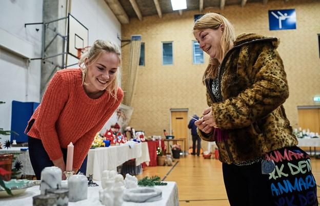 Husmoderkredsen for Oue & Omegn involeverer sig aktivt i lokalsamfundet - blandt andet i Oue Messen hen mod jul. Arkivfoto: Nicolas Cho Meier Nicolas Cho Meier