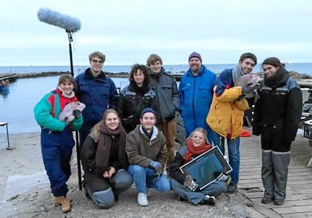 Crew på optagelse af 'Quickstep' – her på Neppens Havn, hvor My Hyttel som mange frederikshavnere har leget som barn.