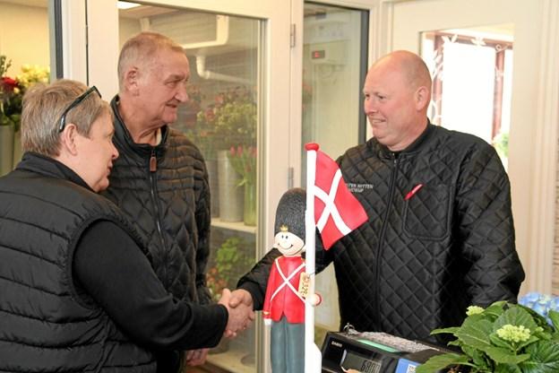 Henrk Kok tager imod gæster.  Foto: Flemming Dahl Jensen Flemming Dahl Jensen
