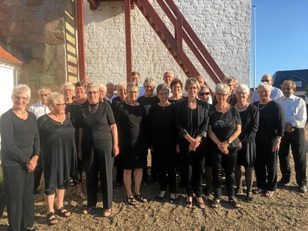 Aarestrup-Haverslev Kirkekor giver 13. maj forårskoncert i Aarestrup Kirke og to dage senere i Haverslev Kirke. Privatfoto