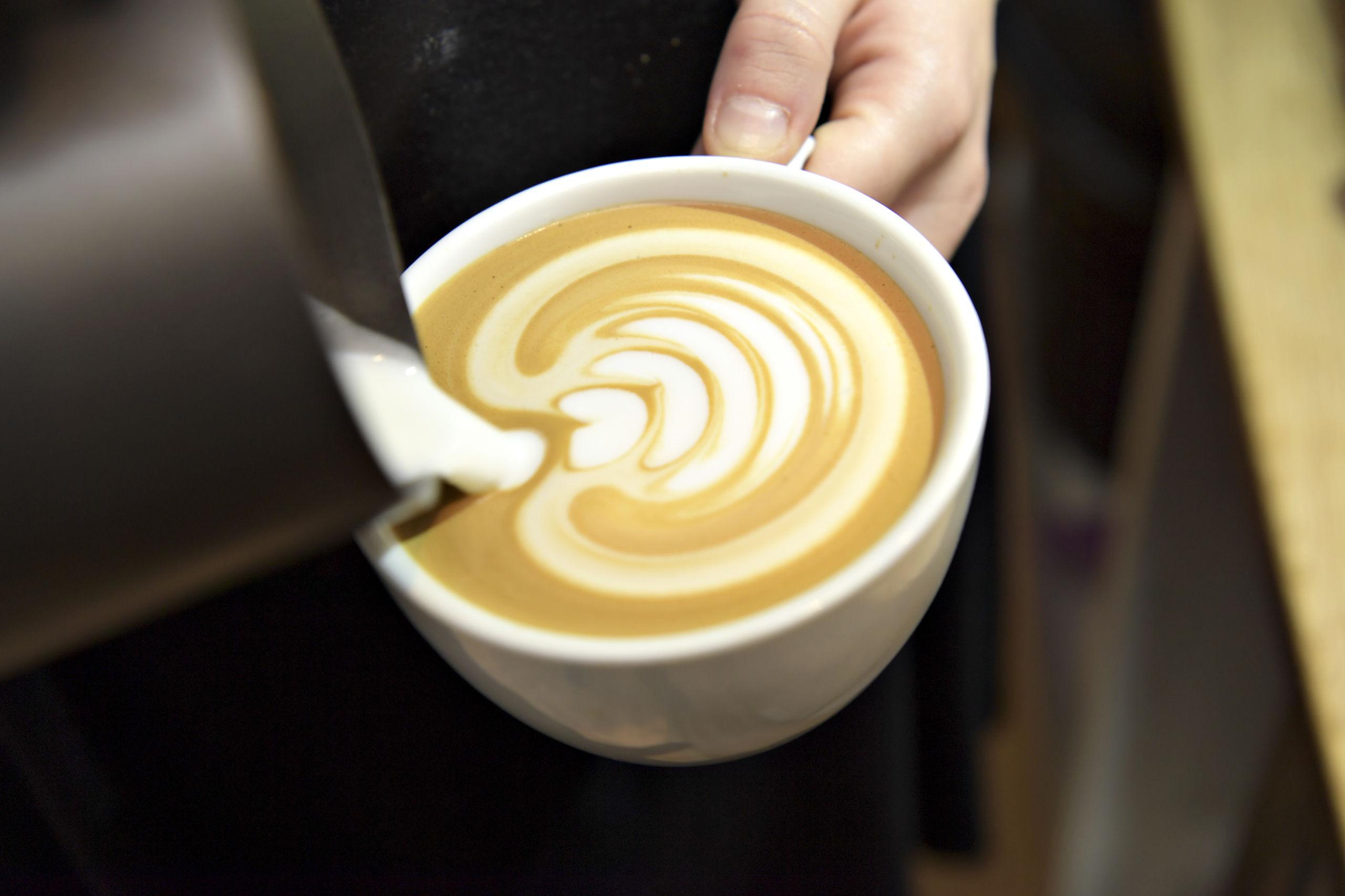 Du må snart sige farvel til en af byens markante kaffebarer. Arkivfoto: Bent Bach