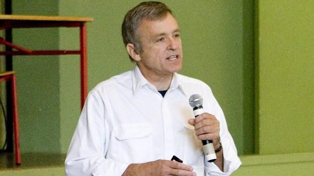 Henrik Rindom, overlæge og psykiater,  taler med elever på Produktionsskolen og holder foredrag i MetropolArkivfoto: Carl Th. Poulsen