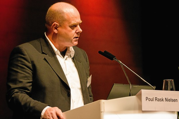 Projektchef Poul Rask Nielsen fra Energibyen Frederikshavn holder oplæg i det fælles telt.