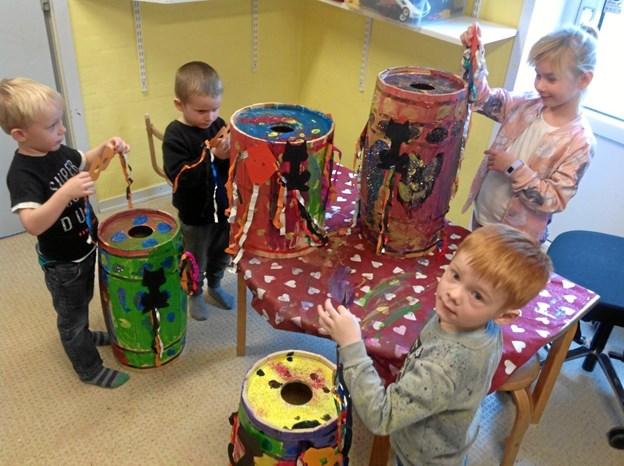 Børnene i Myretuen gik til udsmykningsopgaven med stor entusiasme. Privatfoto