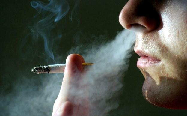 Arbejdsgruppe går imod rygestop-instruktører: Vil udsætte røgfri arbejdstid til sommer
