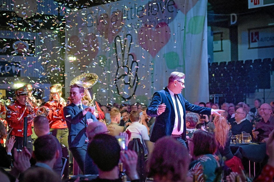Et show hvor dialogen og indslagene havde fået et stort løft til en velsmurt aften i sportens og frivillighedens tegn. Foto: Ole Iversen Ole Iversen