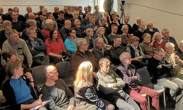 Biografsalen i Rebildcentret var tætpakket med interesserede tilhørere, da DN og Agri Nord sammen inviterede til debat i forbindelse med Klima Rebild.  Privatfoto