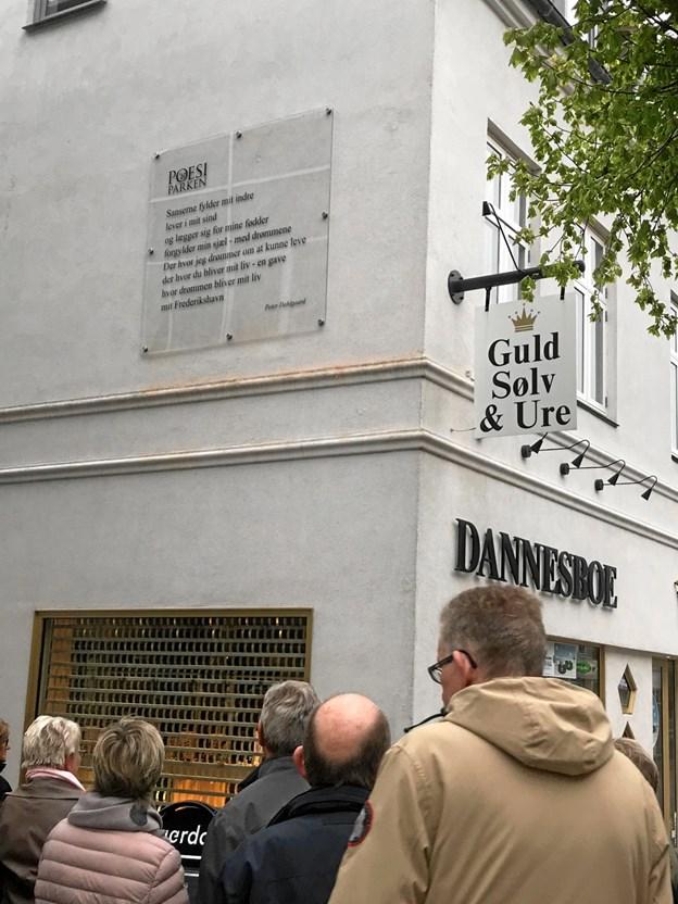 Her højt til vægs finder man Peter Dahlgaard værk - det 13-ende i Poesiparkens række af værker.