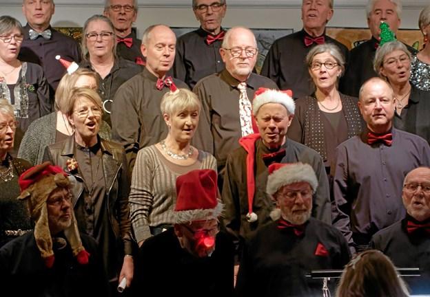"""Sysselkorets anden afdeling bestod udelukkende af kendte julesange som her, hvor de fortolker """"Rudolf med den røde tud"""". Foto: Niels Helver Niels Helver"""