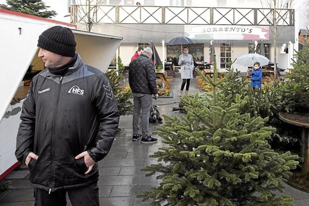 Salget foregår i weekenderne op mod jul. Foto: Allan Mortensen Allan Mortensen
