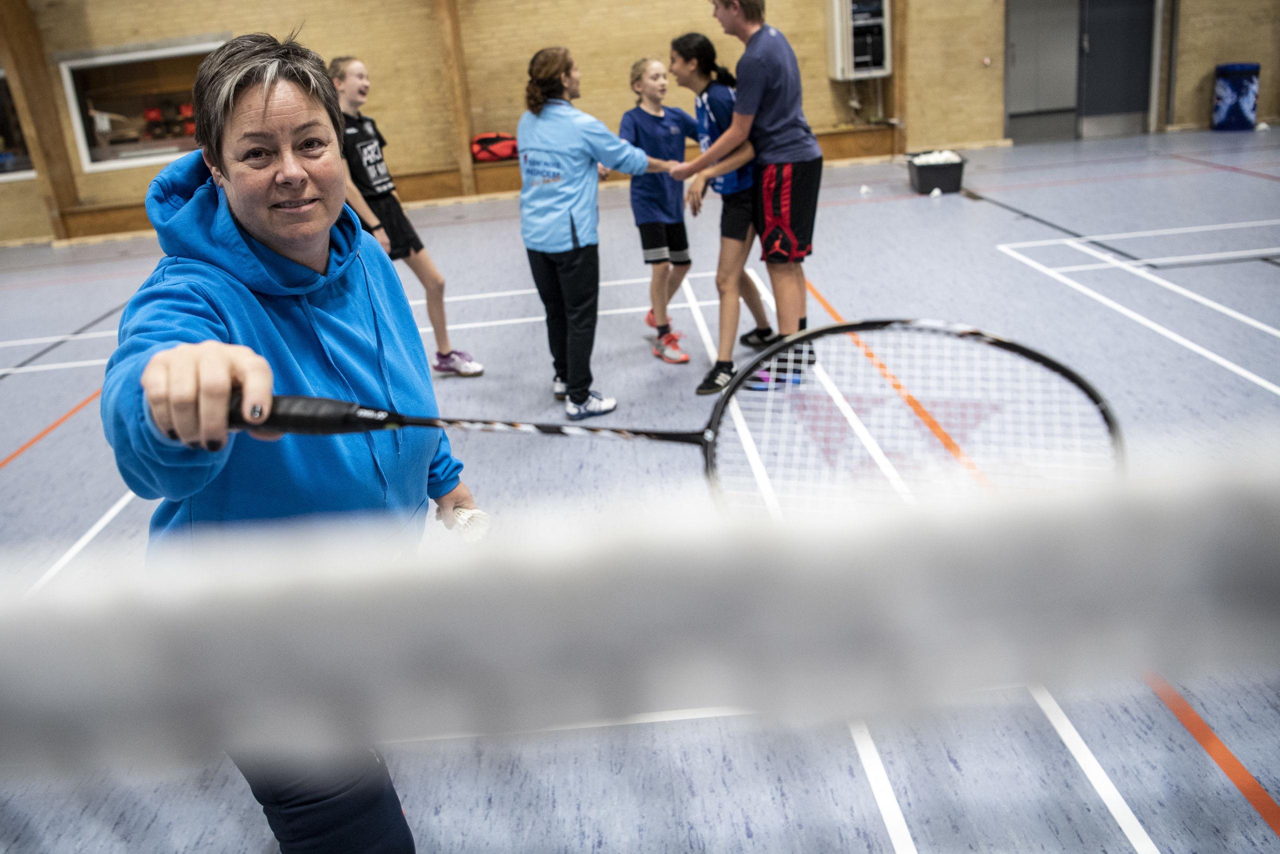 Gitte Paulsen er frivillig i Lindholm Badmintonklub og hun er indstillet til DRs Energibundt pris, der løber af stablen 5. januar. Foto: Andreas Falck