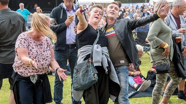 Publikum nød festen på stadion i Øster Hurup. © Lars Pauli