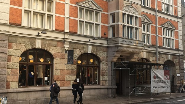 Den tidligere tøjbutik, Hanne Øvad, bliver lagt sammen med den tidligere spillehal bagved - tilsammen giver de to lokaler en ny stor møbelbutik. Arkivfoto: Katrine Schousboe
