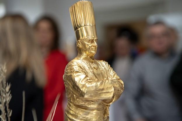 Den smukke statuette strålede til arrangementet. Foto: Henrik Bo © Henrik Bo