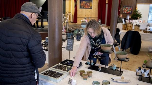 Pia Pedersen havde keramik med på årets juleudstilling i blAAkunst.Foto: Lars Pauli