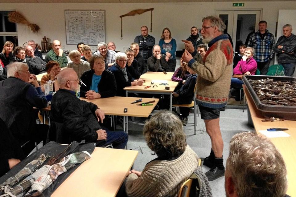Den årlige podeaften med Karsten Kortbuks i skolestuen på Boldrup Museum er et populært arrangement, hvor adskillige deltagere kommer langvejs fra. Arkivfoto