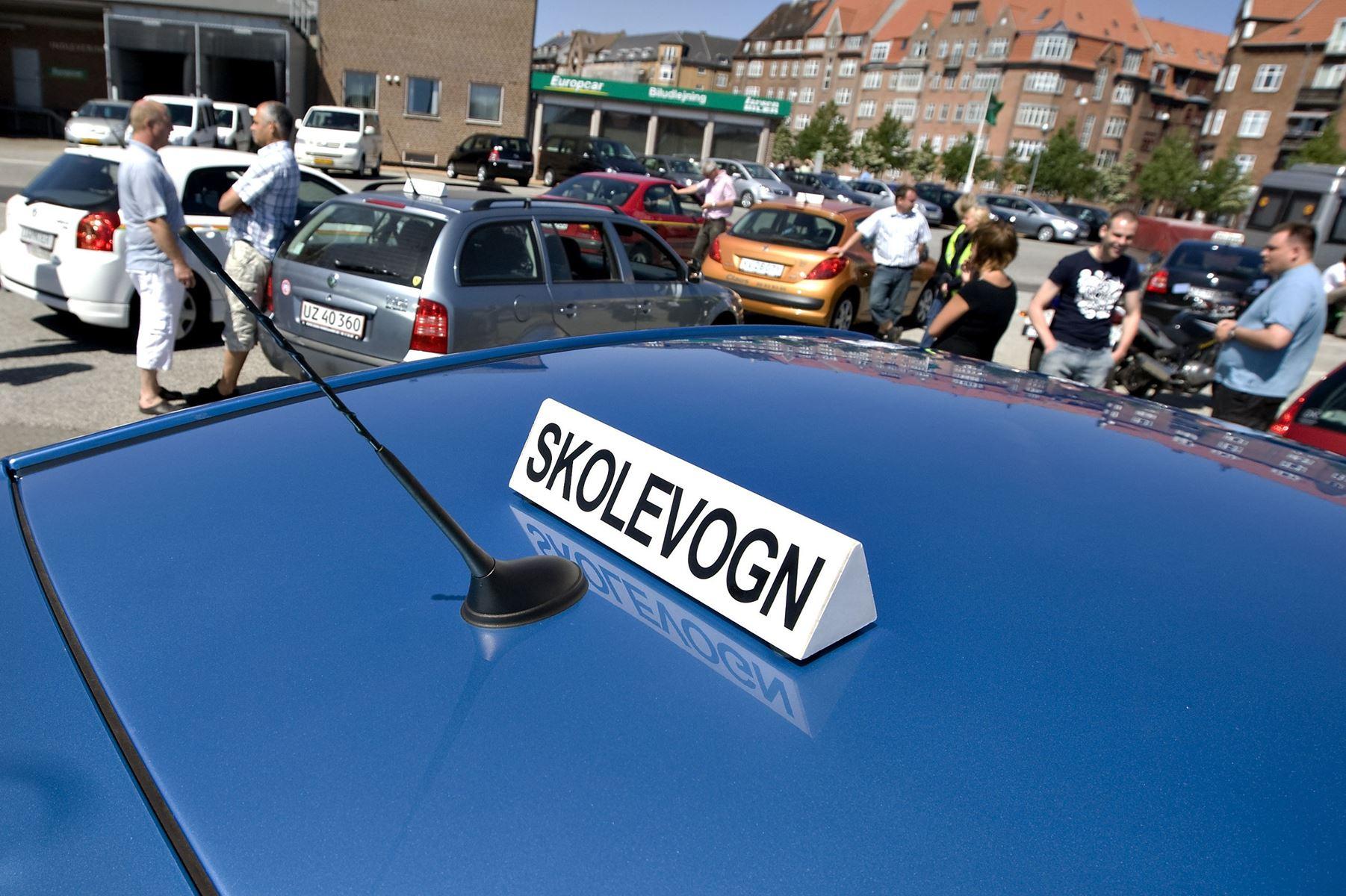 Langt de fleste bilister tror, de vil kunne bestå en køreprøve uden forberedelse. En test viser det modsatte.