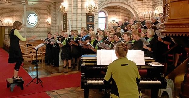 Fladstrandkoret synger i Metodistkirken