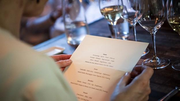 Det var nogle imponerende menukort, som gæsterne blev præsenteret for - og hele to af slagsen. Foto: Teis Markfoged Foto: Teis Markfoged
