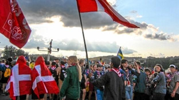 Seks Gerding-Blenstrup-spejdere var med, da Dannebrog blev båret ind under årets World Scout Jamboree i West Virginia i USA. Privatfoto