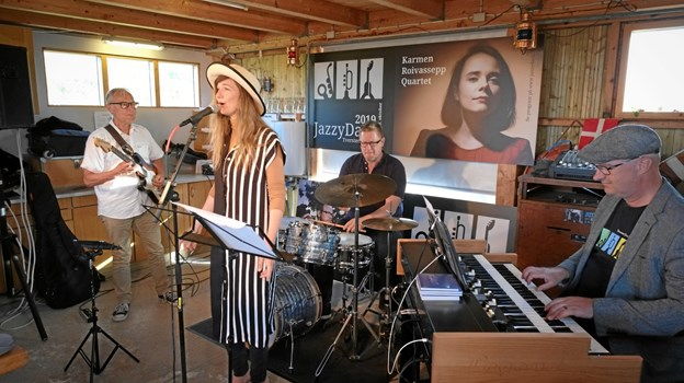 Organic 3 med Jazzy Days formanden ved tangenterne og Kira Martini i den vokale forgrund. Privatfoto