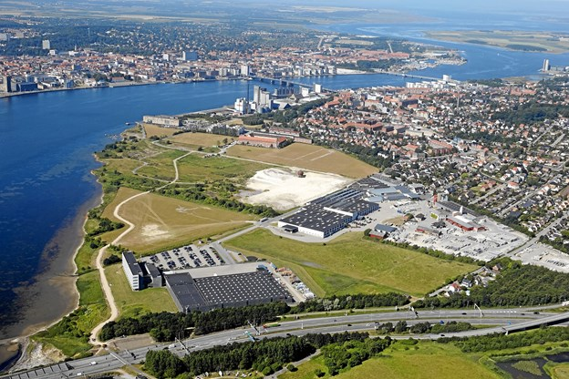 Her ses Stigsborg Havnefront fra luften. PR Foto