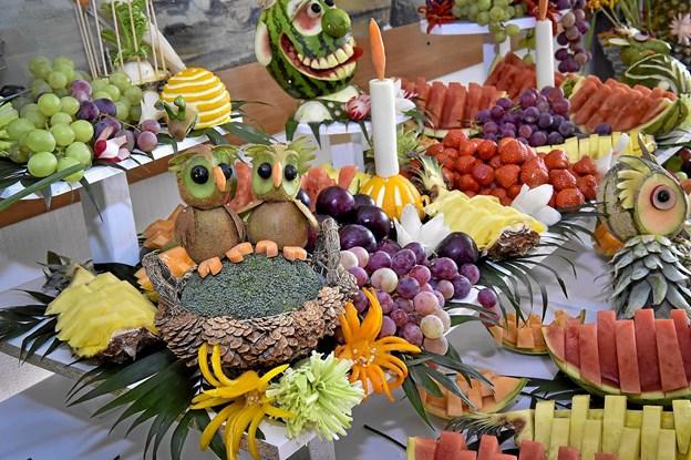 Den kunstfærdige opsætning af frugt og grønt var lavet af en bekendt fra Aarhus. Foto: Ole Iversen