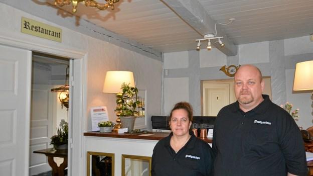 Dorthe og Lars Knudsen er Hotel Postgaardens nye forpagtere. Foto: Jesper Bøss