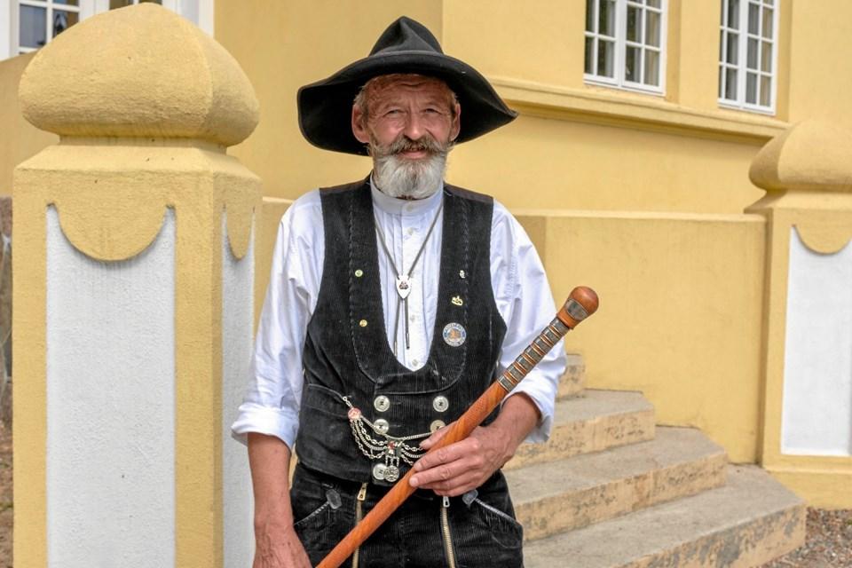 Ivar Pedersen har rejst på valsen i mange år. Mød en ægte naver og hør hans historier fra et begivenhedsrigt liv som rejsende håndværkssvend. Foto: Niels Helver Niels Helver