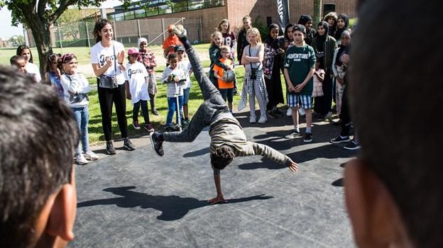Børn og unge kan se frem til en fest under åben himmel og er inviteret ud på asfalten til en dag fyldt med alt det bedste fra gadekulturen.Foto: Rasmus Sloth
