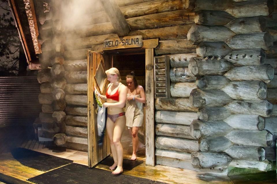 Svømmelands kvindelige gusmestre er klar til at forkæle deltagerne med tre saunagus og afslapning i Relax-afdelingen. PR-foto