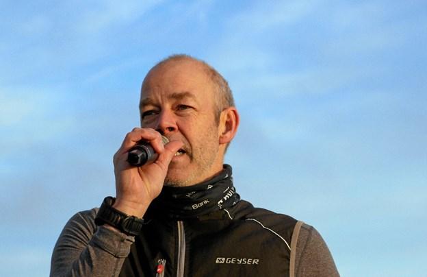 Løbeklubbens formand, Steen Mogensen bød alle velkommen og oplyste om forskellige praktiske ting. Foto: Hans B. Henriksen Hans B. Henriksen