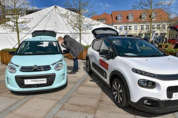 Citroen havde flere af klassikerne med i nye 2019 modeller som C1 (tv) den helt nye C3 Air-cross. (th) Foto: Ole Iversen Ole Iversen