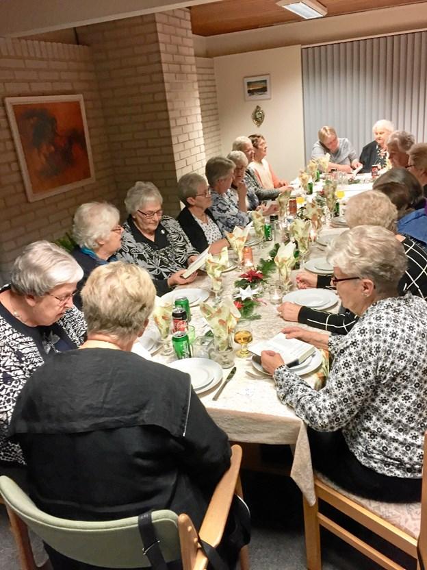 Der var fuldtegnet til julefrokosten i Købmandsgården. Privatfoto