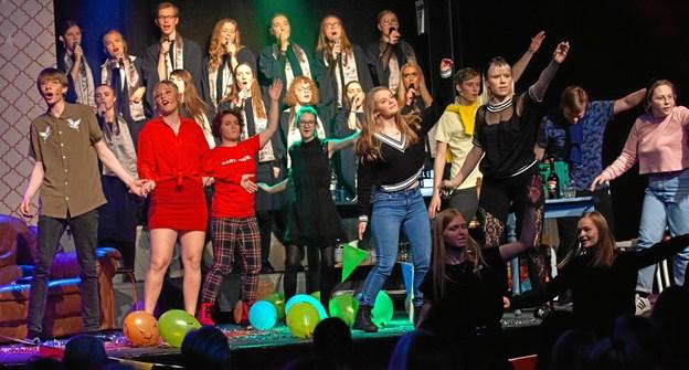Hvorfor er Nora endt i Limbo? Det fik tilskuerne på Fjerritslev Gymnasium svar på under den flotte optræden. Foto: Mattias Bodilsen