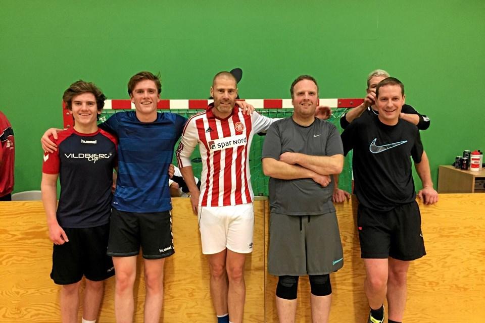 """Vinderholdet """"Derby County"""" - fra venstre: Mads, Niels, Caspar, Allan og Søren. Privatfoto"""