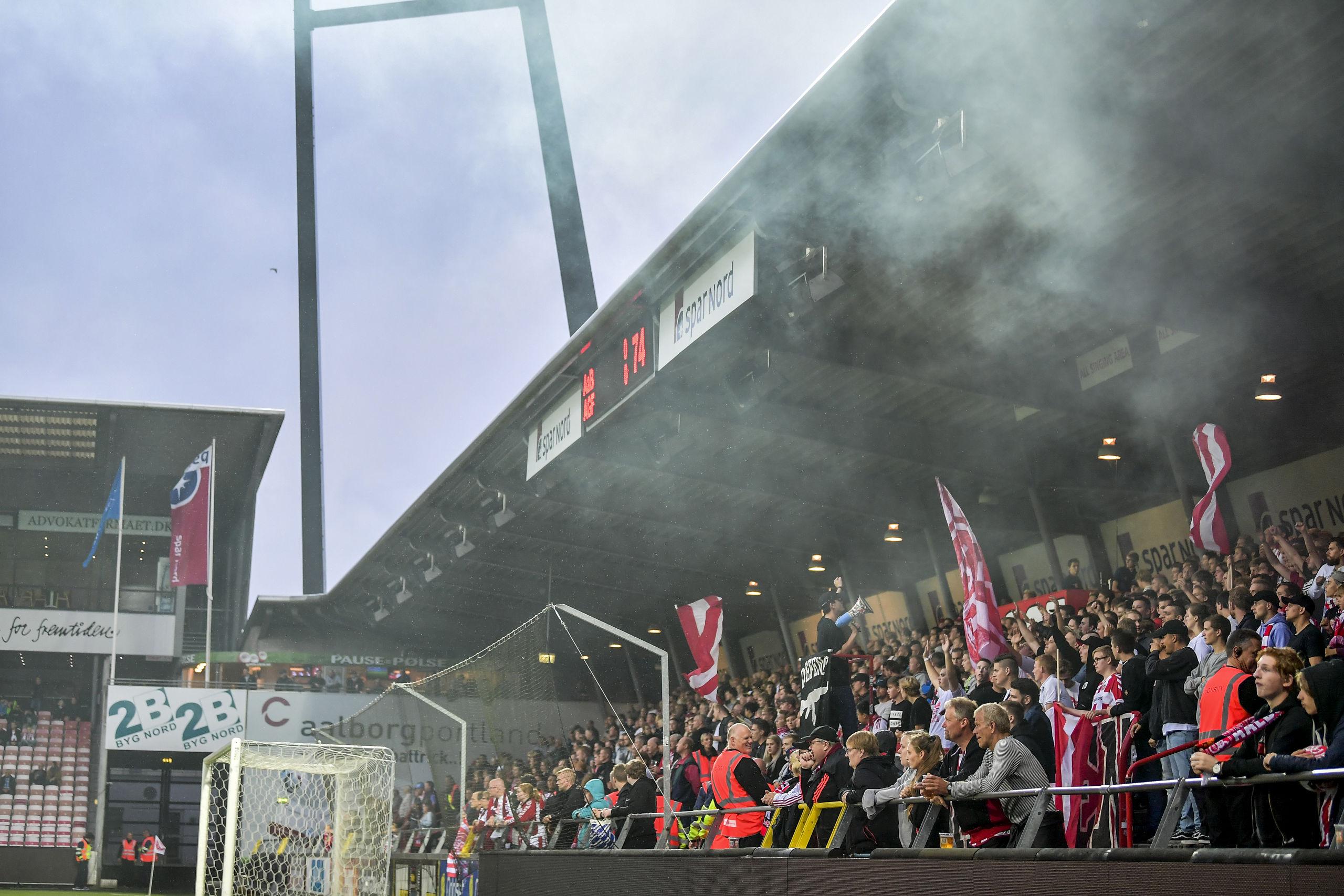 Der venter formentlig publikum på Aalborg Portland Park en gyser af rang, når de lokale helte fra AaB tørner sammen med rivalerne fra AGF. Arkivfoto: Nicolas Cho Meier