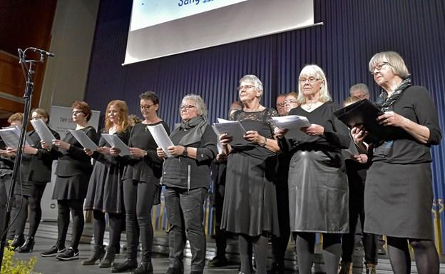 Teutonerkoret fra Snedsted sang sange fra nogle af forestillingerne gennem årene fra Teutonernes Rejse. Foto: Ole Iversen Ole Iversen