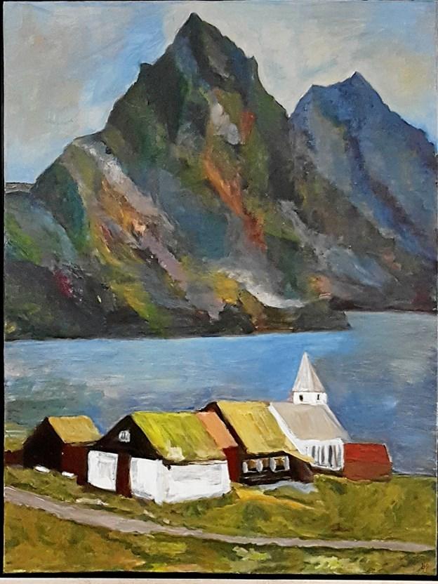 Birgit Pedersen har en forkærlighed for Færøernes natur og bygninger. Foto: Karl Erik Hansen