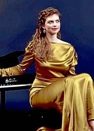 Den tidligere Sonning-prismodtager, Elisabeth Holmegaard Nielsen, leverer musikken til mandagens boglancering i Aars. Privatfoto