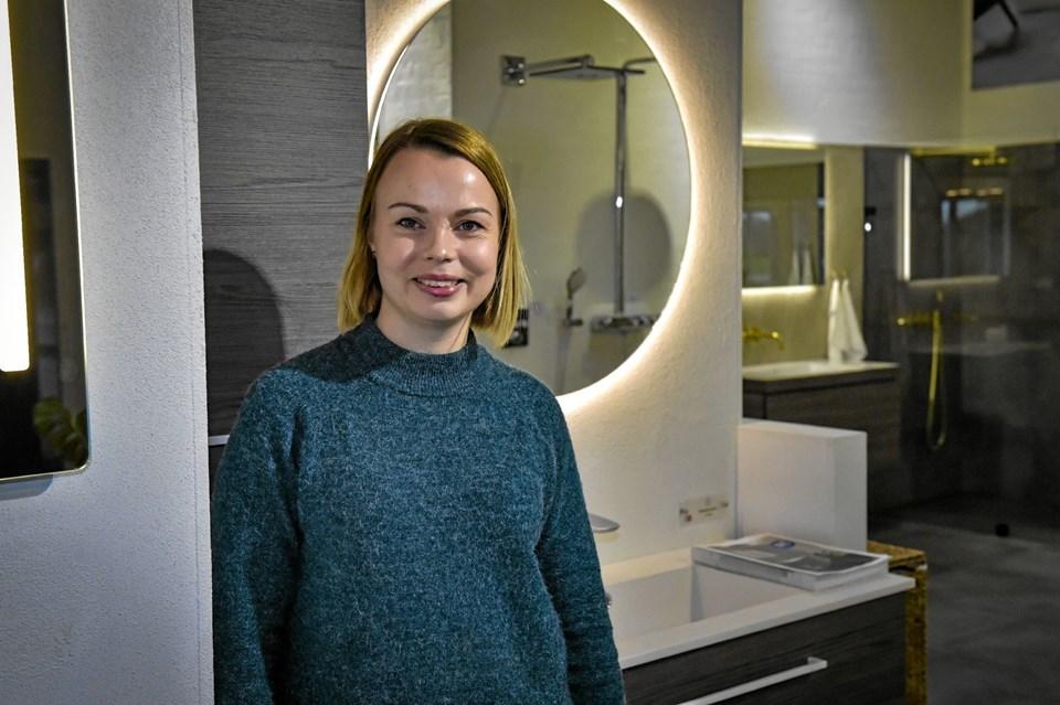 Der er så mange nyheder til boligen, når det gælder bad, sanitet og energi. Det glæder vi os til at vise frem, siger Gitte Visby, salg og marketing Thisted VVS. Foto: Ole Iversen Ole Iversen