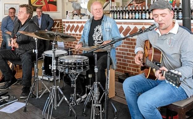 Klaus Thrane er med på trommer/percussion, og i Skagen går blandt andre Chris Andersen på scenen.Privatfoto