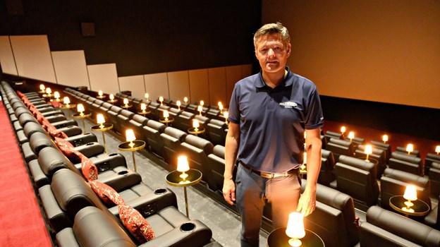 Benny Bruun glæder sig til 17. juli - den dag står alle sale klar med nye de nye luksusstole, og foyeren er ommøbleret og personalet er klar til at servere fadøl, vin og varm mad til biografgængerne.   Foto: Kurt Bering
