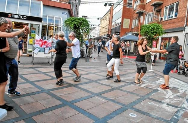 Der bliver også dans i midtbyen. Privatfoto