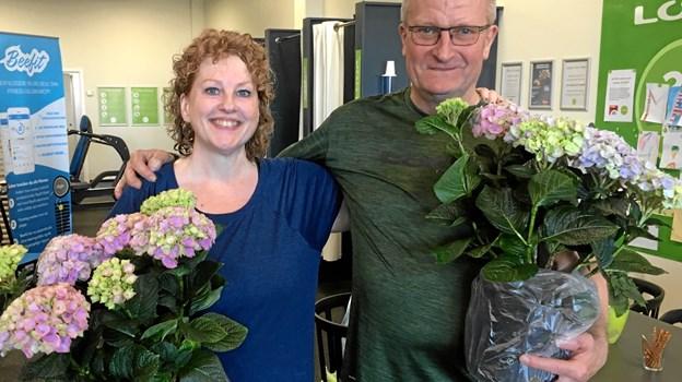 Og der var blomster til Jane Casper og Henrik Sørensen