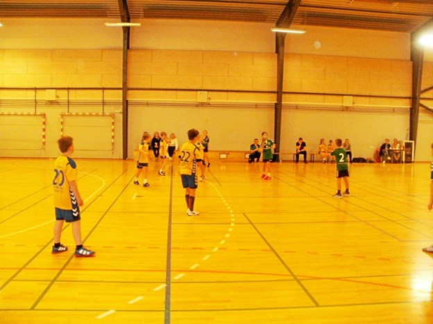 Der blev spillet rigtigt mange kampe i forbindelse med Nøvling IF's ungdomsturnering forleden. Foto: Kjeld Mølbæk