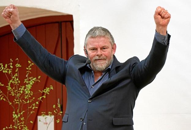 Foredragsholder Stig Rossen giver den gas under årets højskoleuge i Biecentret. ?Privatfoto