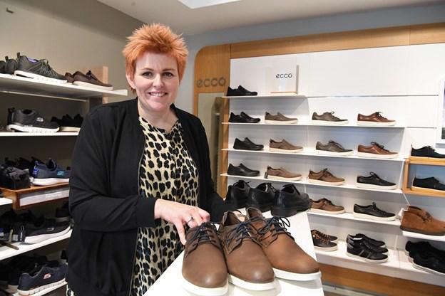 Tina Andersen begyndte som voksenelev i 2014. Siden har hun gradvist overtaget forretningen efter Eva Aagaard. Bent Bach