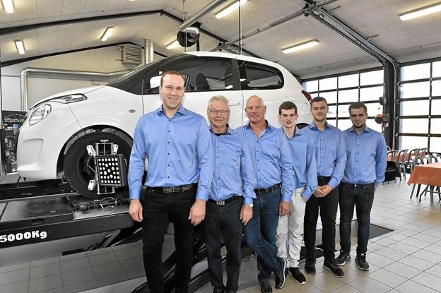 C G Autos medarbejdere i værksted og i bilsalg var klar til at tage imod mange kunder til receptionen.Foto: Ole Iversen