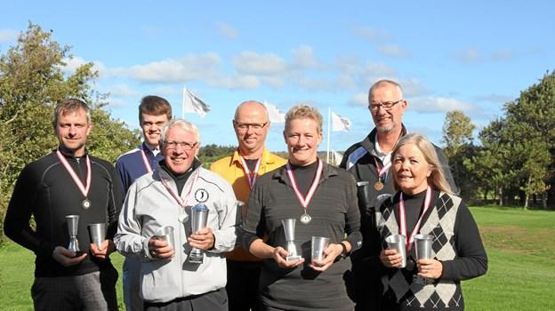 Fra venstre: Lasse Kragh Jensen (Midage Herrer), Magnus Østergaard (Herrer), Poul Juhl (Superveteran Herrer), Claus Bo Christensen (Senior Herrer), Tina Vindbæk Frederiksen (Midage damer), Søren V. Bak (Veteran Herrer) og Gitte Jørgensen (Veteran Damer).